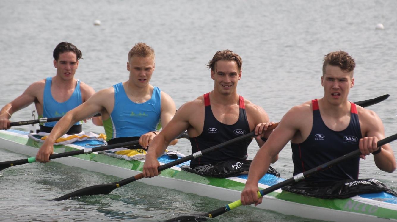 West Lakes Canoe Club sprint K4
